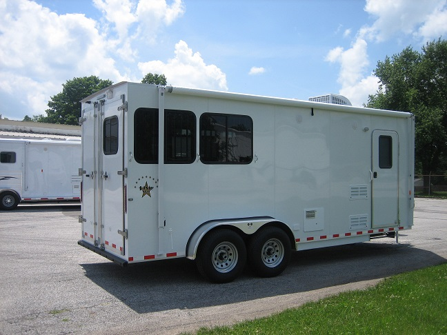 Dixie Star 8 Bumper Pull Living Quarters Horse Trailers