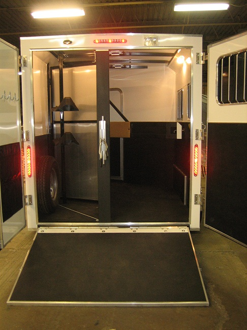 Dixie Star 5 Bumper Pull Living Quarters Horse Trailers